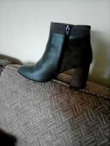 Ladies Grey Faux Suede &Leather Boots size 4