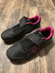 Five Ten Hellcat Pro Women's Mountain Bike Shoe: Black/Shock PInk/Gray One 11