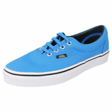 Scarpe da uomo blu marca VANS prodotta in Perù