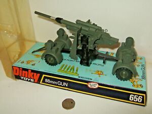 Vintage Rare Dinky 656 German 88mm Gun with shells and Blister Pack.