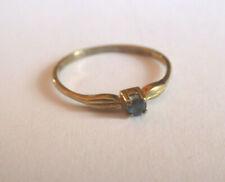 zarter Goldring - 333 - 1 kleiner Saphir - Solitär