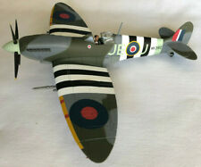 Hobby Master HA8311 Spitfire Mk IX MK392 JE-J Wg Cdr 'Johnnie' Johnson  1:48