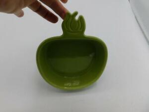 Chantal 2 cup Apple Shaped Baker Casserole Baking Dish Green Bakeware 93-TM15