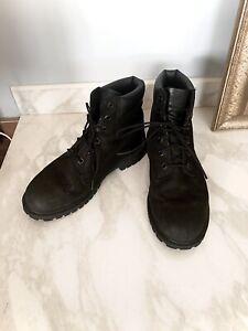 Timberland Women's Black Boots Size 6