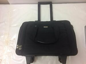 SOLO Laptop Bag  Rolling Wheels Business Notebook Case 17 Inch  Black Fabric