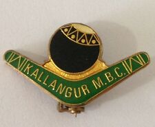 Kallangur Memorial Bowling Club Pin Badge Boomerang Vintage Lawn Bowls (L36)