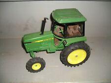 John Deere Cab Tractor 1/16 ? Die-Cast