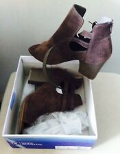 NEW WHITE MOUNTAIN WMNS Size 11 DARK TAUPE PERFORATED SUEDE OPEN TOE HEEL STRAP