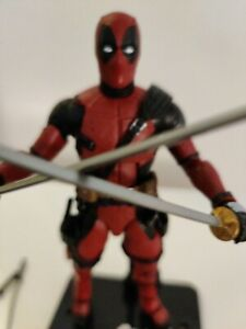 Hasbro X-men Marvel Legends 6'' Deadpool action figure (loose).