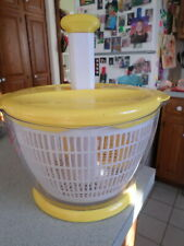 New listing KitchenAid Salad & Fruit Mixer Yellow Large w/ 3 Dividers Serving / Storage Bowl