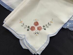 Embroidered Oval Tablecloth And 12 Napkins