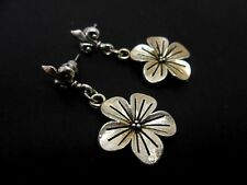 A PAIR OF CUTE LITTLE TIBETAN SILVER FLOWER THEMED POST EARRINGS. NEW.