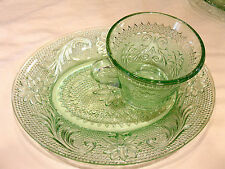 Snack Plate & Punch Cup Set in Sandwich Light Green (Chantilly Green) Tiara