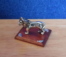 1/12 Dolls House Miniature Handmade Lion Ornament on Plinth Stand Table BN LGW