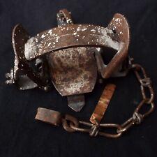 Vintage Victor No. 1.75 Professional Metal Animal Trap Lititz, Pa - working cond