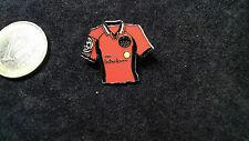 SGE Eintracht Frankfurt Trikot Pin 1998/1999 Home  VIAG Interkom rot Adler