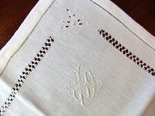 Lot de 10 serviettes 67 x 59 cm brodées et ajourées