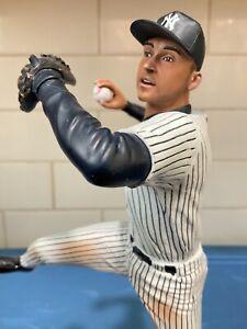 """Danbury Mint  -  New York Yankees Derek Jeter Come's in the """"Original Box"""""""