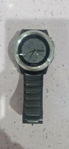Garmin Fenix 3 hr, estado usado, color plata, con 3 correas