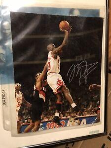michael jordan autograph picture
