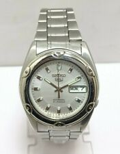 Vintage Seiko 5 Automatic Day Date Movement No.7S26A Japan Made Men's Watch.