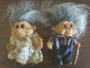 """Vintage Russ Grandfather and Grandmother Pair of 5""""Troll Dolls Gray Hair j1"""