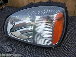 2000 2001 2002 CADILLAC DTS DEVILLE LEFT HEADLIGHT OEM USED Driver Side