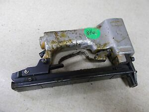 Bostitch 7060168 Industrial Air Pnematic Stapler Staple Gun FOR PARTS OR REPAIR