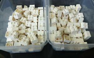 Lego Bricks 2x2 Part 3003 In White pack of 180 Ref:D17