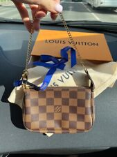 Louis Vuitton pochette mini monogram