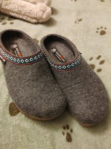 Haflinger Womens Wool  Alippers, NWOT, 8