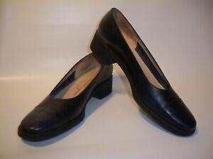 Salvatore Ferragamo Boutique Women's 9 (4A) Black Animal Print Loafers (Italy)