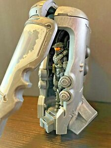 HALO UNSC CRYOTUBE WITH MASTER CHIEF MCFARLANE TOYS FIGURE SERIES 1 POD