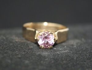 100% Genuine Vintage 9k Solid Yellow Gold0.75ct Pink Sapphire Ring Sz6.5 or M1/2
