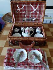 Reutter porzellan-frederick Warne - collection - MINI PIC NIC BASKET