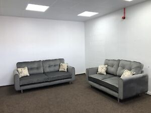 DFS 3+2 FABRIC GREY SOFA INC SCATTER CUSHIONS AND CHROME LEGS RRP £1999.99