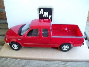 AMT/ERTL #6848EO, 1997 FORD F-150 STYLESIDE PICKUP TRUCK, BRIGHT RED, VGC