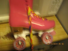 Ladies Hot   PINK  Roller  Skates size 8, heel to toe 9 7/8 inches Roller Skates