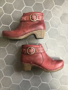 Dansko 40 Mina Boot Maroon Floral Side Zip $180
