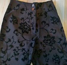 Schöne Damenhose Grau - Braun mit schwarzen Blumen und Ranken Größe S M Stretch