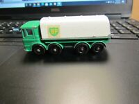 LESNEY MATCHBOX NO. 32 BP Petrol Tanker