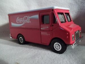 Ertl #F400  Coca Cola Grumman Stepvan Bank 1/43 Scale