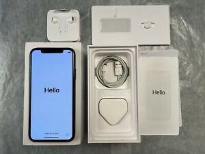 Apple iPhone XS - 256GB - Space Gray / Grey - Unlocked with EarPods