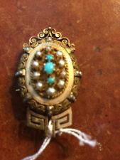 Broche plaquée or et pierres, perles. Style bijoux de Tolède époque début 20ème