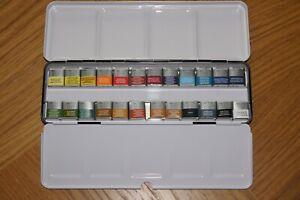 Winsor & Newton Professional Watercolour Set 24 Half Pans in Metal Box