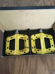 "Race Face Chester Platform Mountain Bike Pedals 9/16"",  -- Yellow"