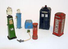 DINKY TOYS ACCESSORIES , Letter Box, Telephone Box, Petrol Pump. JOB LOT (refG4)