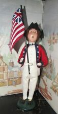 BYERS CHOICE Williamsburg Red Coat with Flags 2002  *