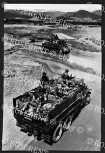 1950 Korea - 1st Middlesex Rgt  moving up to the front -- I.W.M photo 17 by 11cm