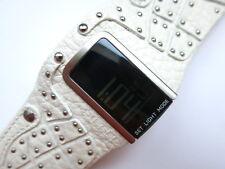 DZ7068 - Diesel Uhr mit Nieten - Digital - Neu ungetragen